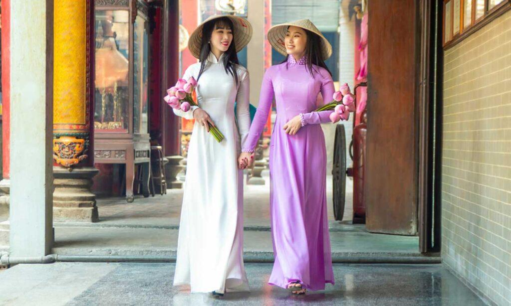 ao-dai-vietnamese-dress