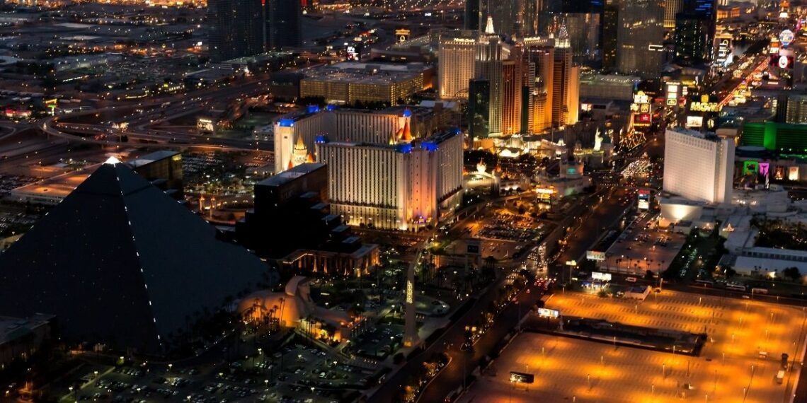 How Live Casinos Are Proving To Be A Major Breakthrough For Online Gambling Industry